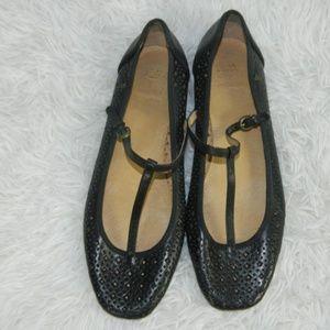 Frye Kat T- Strap Black Flats Size 8M
